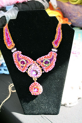 Dranzeo felted jewelry.jpg